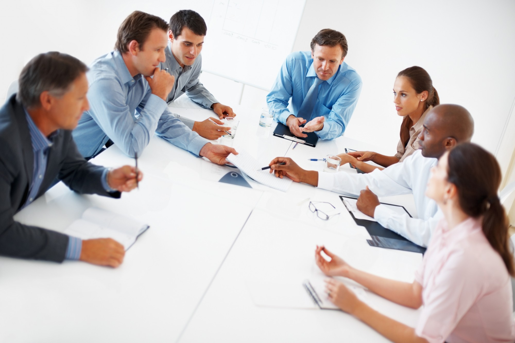 photodune-652300-business-conversation-xl-e1393454728339